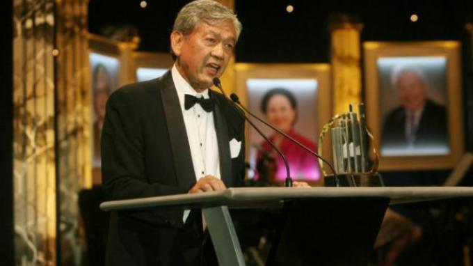 Kisah Jatuh-Bangun Edwin Soeryadjaya: Kenangan Pahit Sang Ayah Harus Jual Astra karena Bank Summa