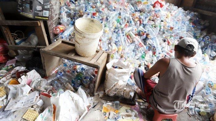 Patut Dicontoh! Kisah Edy Suranta yang Sukses Sulap Sampah Jadi Karya Seni Bernilai Ratusan Juta