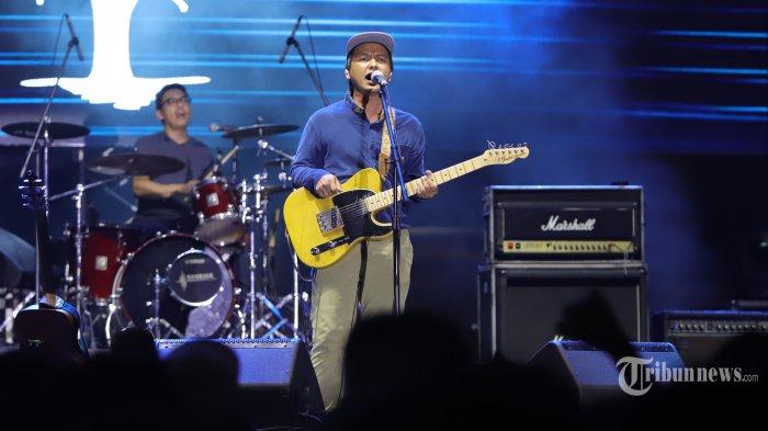 Chord Gitar Di Udara - Efek Rumah Kaca: Ku Bisa Tenggelam di Lautan, Aku Bisa Diracun di Udara