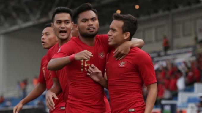 Egy Maulana Vikri, Saddil Ramdani dan beberapa pemain Timnas U-23 Indonesia tengah merayakan gol ke gawang Thailand di Sea Games 2019.