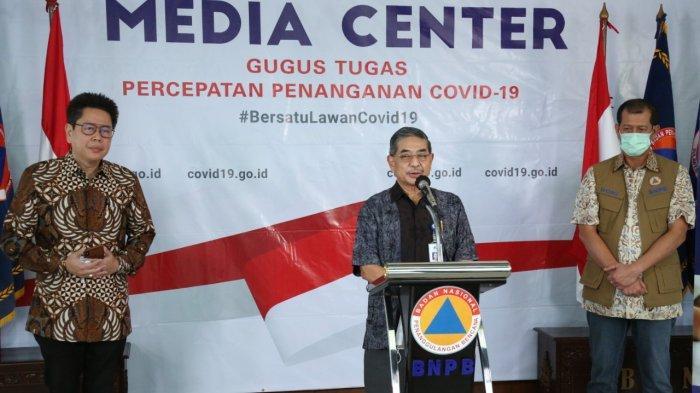 Kepala LBM Eijkman Amin Subandrio di Kantor BNPB, Jakarta, Jumat (3/4/2020)