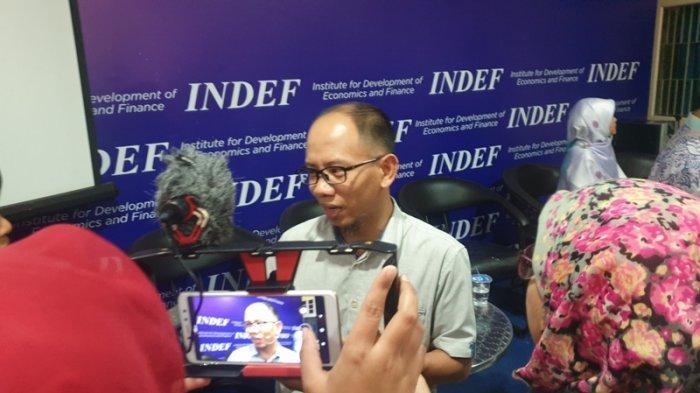Ekonom Indef Eko Listiyanto usai diskusi di kantor Indef