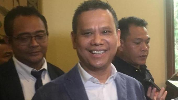 Mundur dari PT LIB, Berlinton Janji Bantu Direksi Baru Cari Sponsor Liga Indonesia