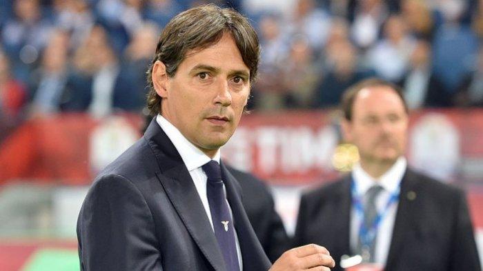 Ekspresi pelatih Lazio, Simone Inzaghi, menjelang dimulainya laga final Coppa Italia melawan Juventus di Stadion Olimpico, Roma, (17/5/2017). ANDREAS SOLARO/AFP/BOLASPORT.COM
