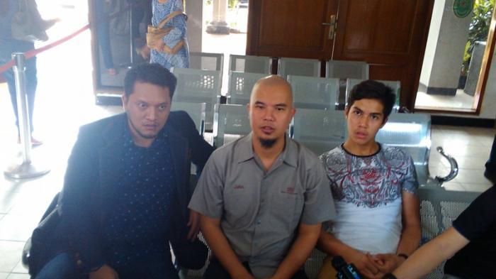 Boyong El, Ahmad Dhani: Dia Sekalian Belajar Duduk di Kursi Pengadilan