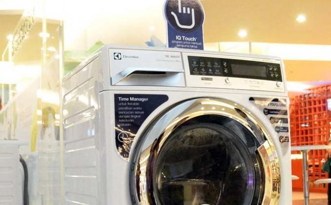 Hemat Air Dan Listrik Dengan Mesin Cuci Electrolux Tribunnews Com Mobile