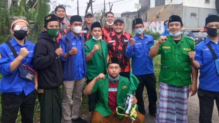 Elemen Kepemudaan di Kemang Bogor Turun Ke Jalan Bagikan Takjil untuk Masyarakat