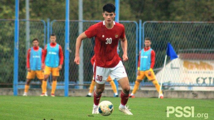 Elkan Baggott menjalani debut bersama Timnas U-19 Indonesia menghadapi Makedonia Utara di Stadion NK Junak Sinj, Split, Kroasia, pada Minggu (11/10/2020) waktu setempat.