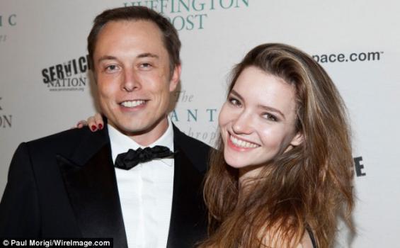 Elon Musk Sesumbar di Twitter, Bisnis Tesla Bakal Lebih Besar dari Apple