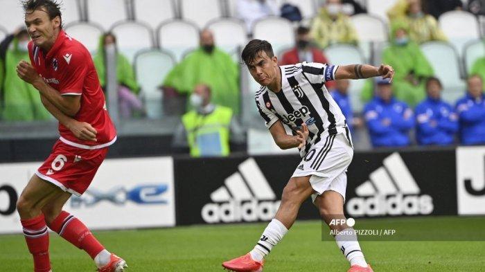 emain depan Juventus asal Argentina Paulo Dybala mencetak gol
