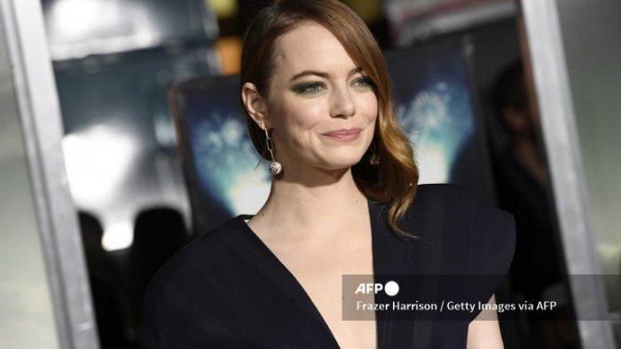 Emma Stone Hamil Anak Pertama dengan Dave McCary