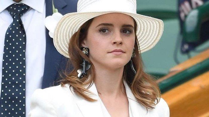 Liburan Bareng, Emma Watson Terlihat Cium Brendan Wallace