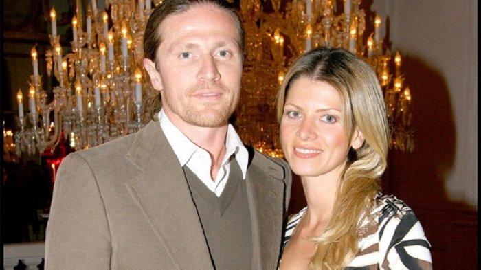 Emmanuel Petit didampingi istrinya, Maria Servello, menilai Griezmann akan 100 persen menuju ke Old Trafford, Rabu (22/2/2017).