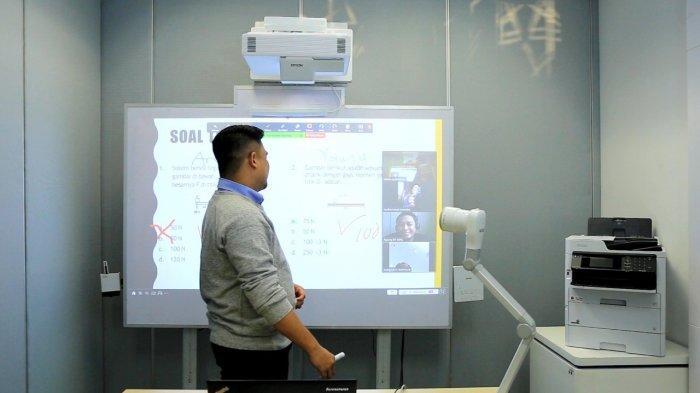 Proyektor Epson Interaktif EB-1485Fi  Bikin Pembelajaran Jarak Jauh Jadi Menyenangkan