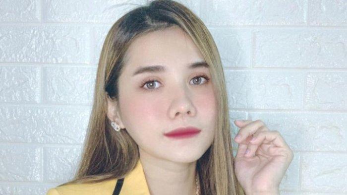 Selain Bisnis Kuliner, Aktris Era Lolita Kini Aktif di Organisasi Partai