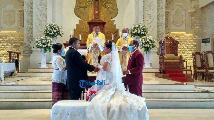 Kisah Pernikahan Dua Penyandang Tuna Netra di Denpasar, Kenalannya Lewat Facebook Lho