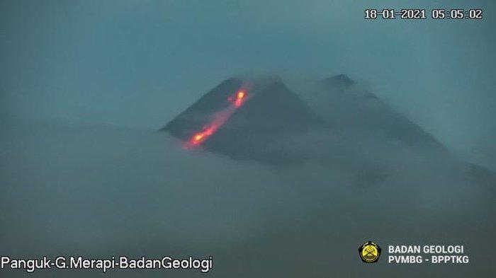 Pusat Vulkanologi dan Mitigasi Bencana Geologi (PVMBG) melaporkan terjadi aktivitas Awan Panas Guguran (APG) dengan jarak luncur kurang lebih 1.000 meter ke arah Barat Daya (K Krasak), Senin (18/1/2021) pukul 05.43 WIB.