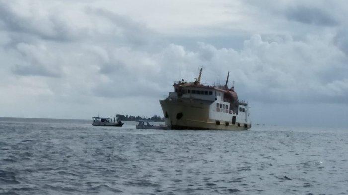 Tim QRT UPP Sapeken Selamatkan 229 Penumpang Kapal KM Sabuk Nusantara 92