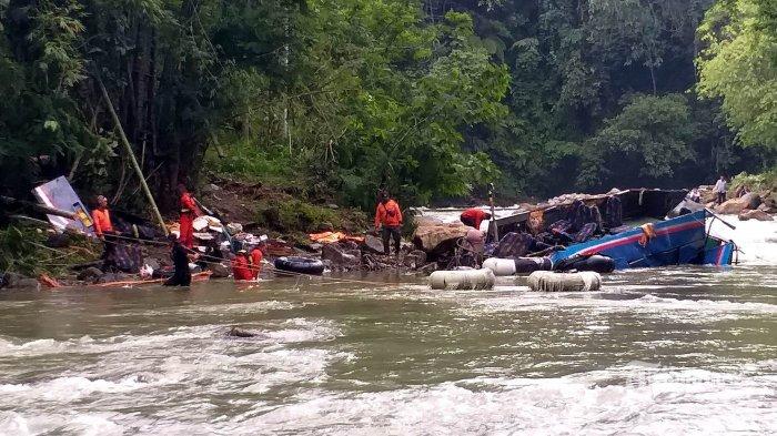 Bus Masuk Jurang, PO Sriwijaya Tak Boleh Beroperasi Sementara