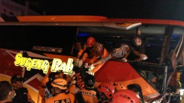 Bus AKAP Sugeng Rahayu Kecelakaan Maut di Turunan Pasar Kertek Wonosobo, Sopir Meninggal