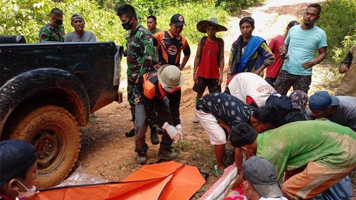 7 Korban Meninggal Tertimbun Longsor di Solok Selatan Dievakuasi, Petugas Masih Mencari Siman