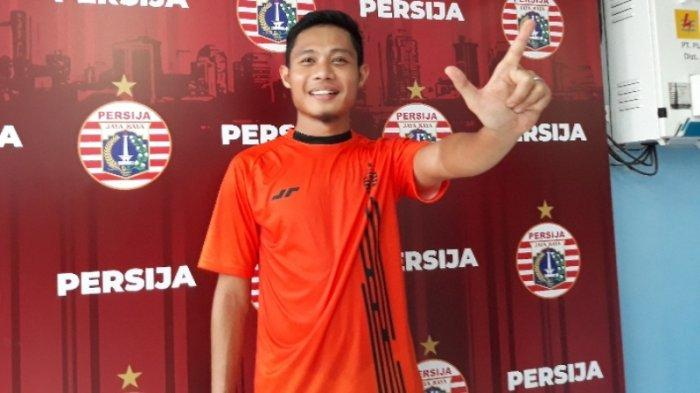 Pemain baru Persija Jakarta, Evan Dimas Darmono saat ditemui setelah menjalani latihan perdana di Mes Persija, Jakarta Timur, Jumat (17/1/2020).