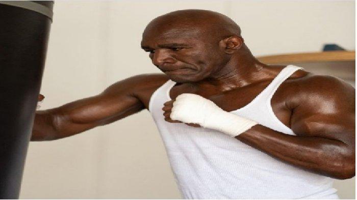 Jadwal Tinju Evander Holyfield vs Vitor Belfort: Kembalinya si Penakluk Mike Tyson