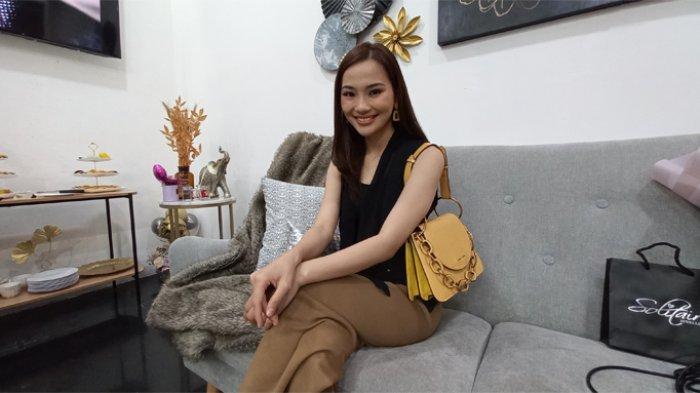 Evelina Winatama ketika ditemui di kawasan Kemang, Jakarta Selatan.