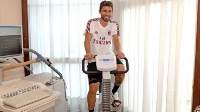 AC Milan Tinggal Butuh Tanda Tangan Fabio Borini saja Tes Kesehatan Sudah Lolos