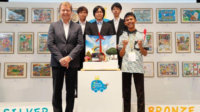 Gambar Note Car Antar Faisal Dapat Penghargaan Toyota Dream Car Art Contest