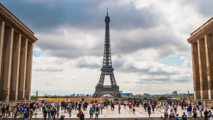 Prancis Kerahkan 100.000 Aparat Polisi untuk Cegah Pertemuan Malam Tahun Baru