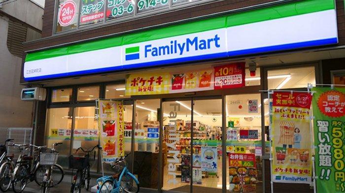 Konbini Family Mart di Tokyo