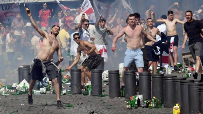 Ancaman Serius UEFA Soal Bentrokan Suporter Inggris dan Rusia