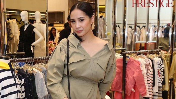 Hadiri Acara Bareng Caca Tengker Fashion Nagita Slavina Jadi Sorotan Harganya Selangit Tribunnews Com Mobile