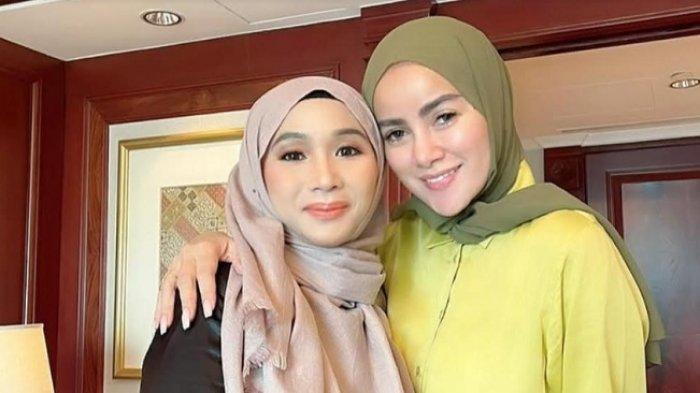 Fatimah Az Zahra bersama Olla Ramlan yang merupakan brand ambassador dari bisnis kecantikan miliknya.