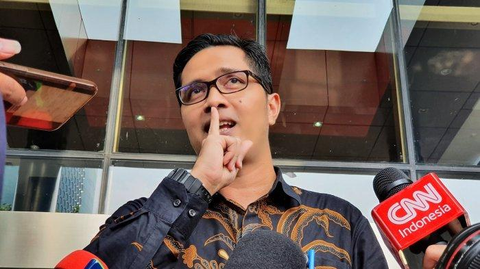 Pasangan Machfud Arifin-Mujiaman Tunjuk Eks Jubir KPK Gugat Hasil Pilkada Surabaya