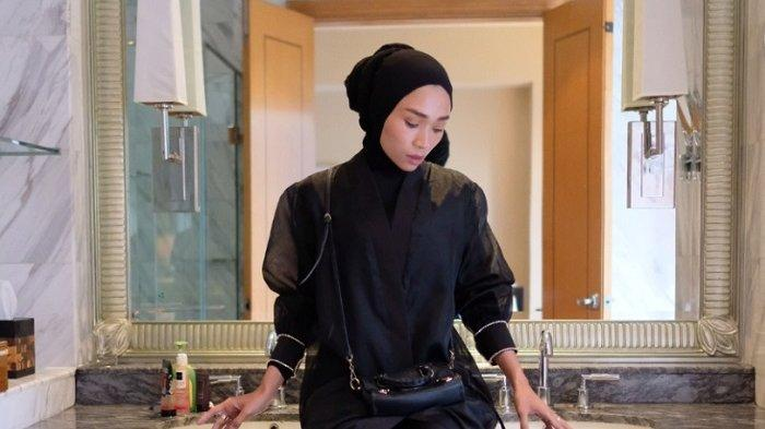 Mengenal Febrian Nurvianti, Hijaber Luxury Place Reviewer Pertama di Indonesia