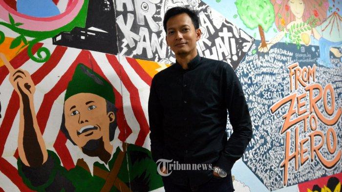 Aktor pemeran karakter Fahri di film 'Ayat Ayat Cinta 2' Fedi Nuril, kunjungi markas Tribunnews.com dan Warta Kota, Jumat (8/12/2017) di Palmerah Barat, Jakarta. TRIBUNNEWS.COM/FX ISMANTO