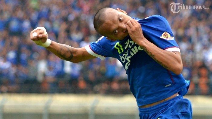 Ferdinand Sinaga saat masih berseragam Persib Bandung.