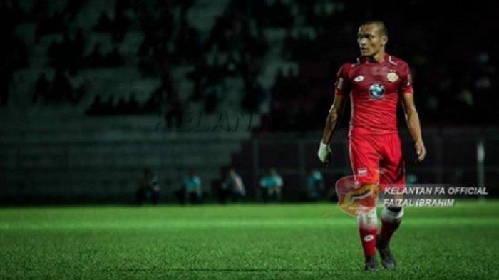 Gelandang Kelantan FA dari Indonesia, Ferdinand Sinaga, tampil melawan Terengganu City FC dalam putaran ketiga Piala FA Malaysia di Stadion Sultan Mohammad IV, Kota Bharu, Jumat (2/3/2018) malam WIB.
