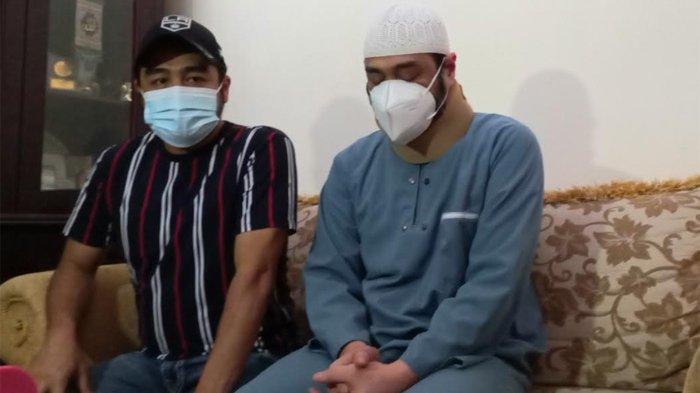 Ferry Irawan Sedih dan Bingung Sang Istri Menudingnya Akting Sakit