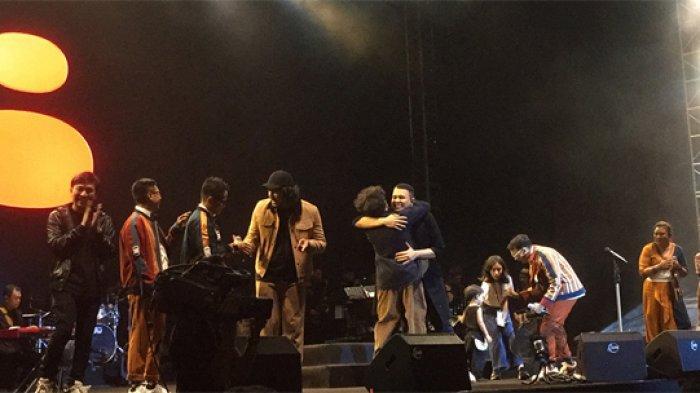 Gelar Festival Sewindu, Tulus Beri Kejutan Bawa Sederet Musisi