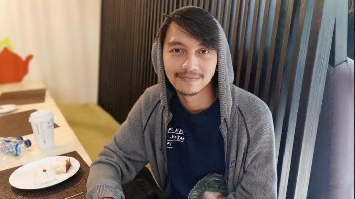 Fiersa Besari saat ditemui di Hongkong Cafe, Jalan Sunda, Menteng, Jakarta Pusat, Selasa (29/10).