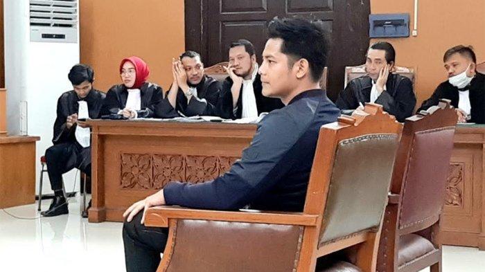 Fiki Alman Beri Kesaksian di Sidang Kasus Vicky Prasetyo, Bantah Berzina dengan Angel Lelga