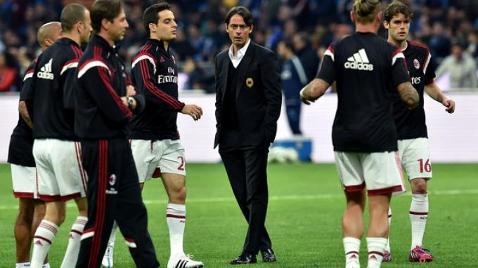 Filippo Inzaghi di tengah pemain AC Milan