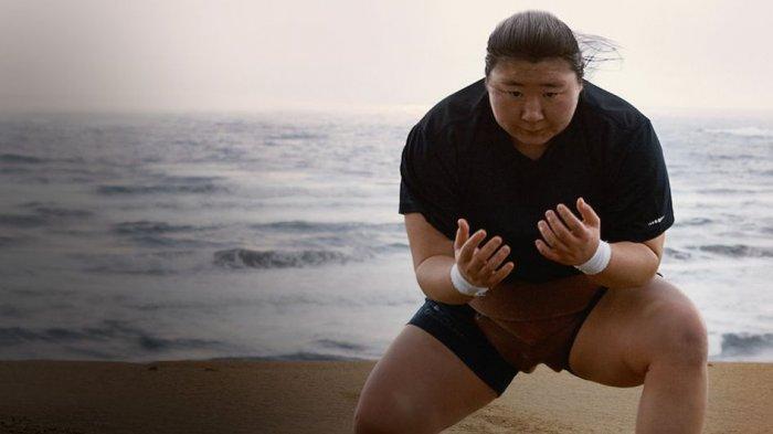 Perjuangan Hiyori Kon, Pesumo Amatir Perempuan Asal Jepang di Film Dokumenter Little Miss Sumo