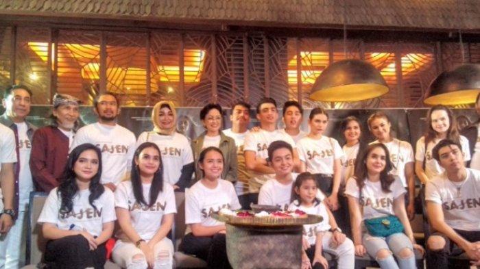 Para aktor dan aktris film Sajen, saat konferensi pers di Epicentrum, Kuningan, Jakarta, Jum'at (27/4/2018).