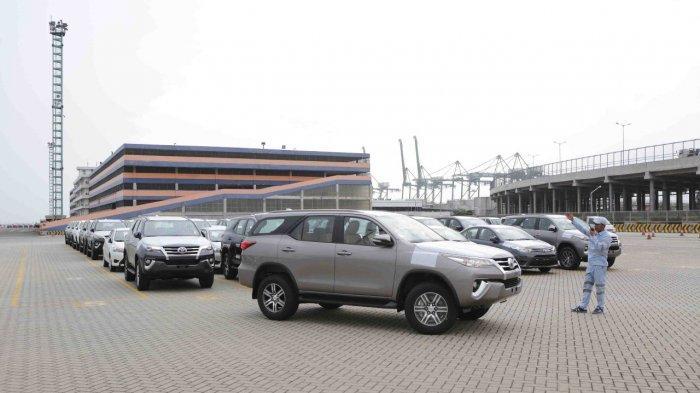 Ekspor mobil CBU untuk model SUV Toyota Fortuner produksi PT Toyota Motor Manufacturing Indonesia (TMMIN).