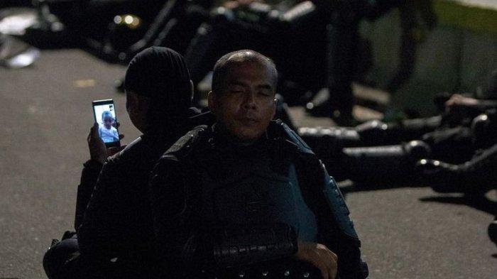 Brimob yang Video Call Anaknya saat Aksi Massa 22 Mei Ditawari Liburan ke Bali Gratis