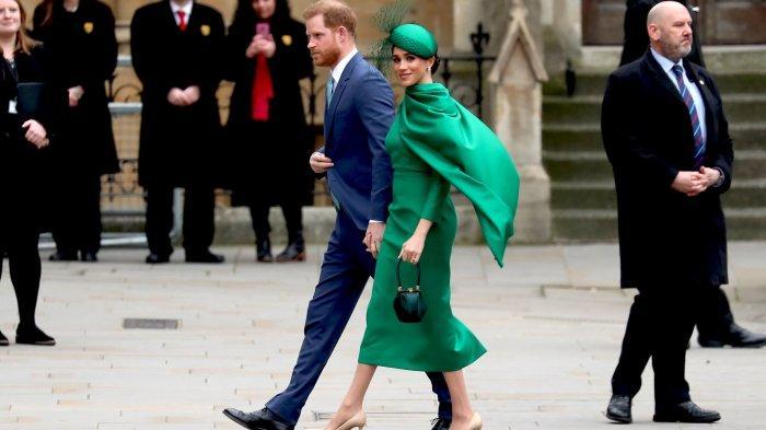 Foto-foto Penampilan Terakhir Meghan Markle sebagai Anggota Kerajaan, Kenakan Dress Hijau Mencolok
